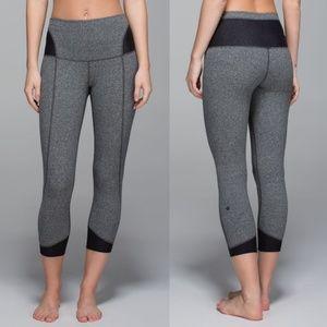 Like New Lululemon Devi Yoga Crop Heathered Size 6